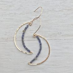 Wire earrings 745064332083233651 - Gold Crescent Moon Earrings – Hokubijou Source by Gold Bar Earrings, Moon Earrings, Wire Earrings, Earrings Handmade, Handmade Jewelry, Diy Crystal Earrings, Heart Jewelry, Cute Jewelry, Gemstone Jewelry