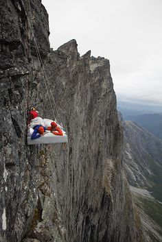 How did we get a Wonderland bed up to the Trollwall massif? See photos from the rigging of the bed. A perfect day in Wonderland! Wonderland, Bed Photos, A Perfect Day, Beds, Mountains, Travel, Viajes, Bedding, Trips