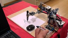 Para quienes se inician en la robótica y la programación de la placa Arduino.