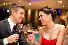When you are on a first date 'foot in the mouth' type of mistakes are easy to make. Tips for a first date: What things you shouldn't ask first date? First Date Tips, First Dates, Tinder Hookup, Mexico 2017, Sugar Baby Dating, Millionaire Dating, Millionaire Matchmaker, Millionaire Lifestyle, Dating Women