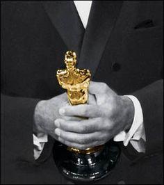 Bir filmin Oscar'a aday gösterilebilmesi için 40 dakikadan uzun olması, ABD-Los Angeles ili sınırları içinde en az bir sinemada paralı gösteriminin gerçekleşmiş olması ve gösterimin en az bir hafta sürmüş olması şartı aranıyor.