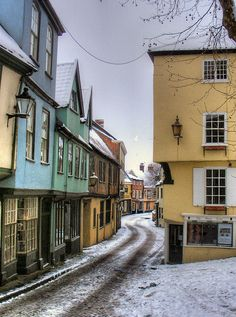 My favourite place in the world, the most beautiful place I've ever lived. Snowy Elm Hill - Norwich by Pete Sturman on Flickr