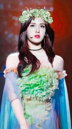Jung Chaeyeon, Choi Yoojung, Kim Sejeong, Jeon Somi, Teen Celebrities, Girl Artist, Ulzzang Girl, Korean Beauty, K Idols