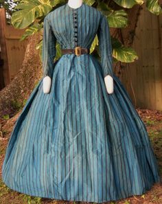 French taffeta day dress, 1860s | In the Swan's Shadow