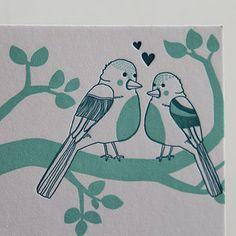 Detail van letterpress geboortekaartje - vogels - mint - liefde
