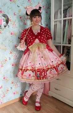 Rose Lolita Wonderland- Sweet Lolita Coordinate.