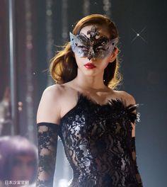 Commercials / Vidal Sassoon / ShowGirl / Making of Prity Girl, Super Hero Costumes, Showgirls, Masquerade, Asian Beauty, Cool Girl, Halloween Face Makeup, Wonder Woman, Singer