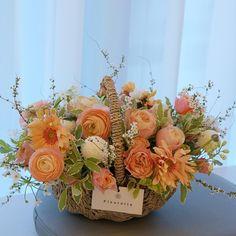 easter roses, chrysanthemum, gerber daisy, baby's breath Basket Flower Arrangements, Artificial Floral Arrangements, Beautiful Flower Arrangements, Flower Centerpieces, Silk Flowers, Beautiful Flowers, Easter Flowers, Spring Flowers, Flower Basket