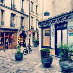 Le Marais tour.  The best way to soak up Paris, slowly and on foot.