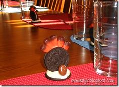 Cute oreo turkey snack #crafts #kids #Thanksgiving