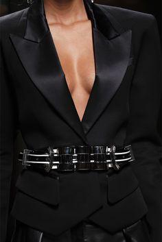 Balmain Spring 2013 Ready-to-Wear Fashion Show Balmain, Couture Details, Fashion Details, Fashion Design, Girls Diary, Vogue, Hollywood Fashion, Dark Fashion, Couture Fashion