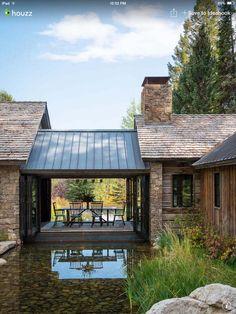17 Beautiful ideas for rustic exterior design # exterior design # for Design Exterior, Rustic Exterior, Modern Farmhouse Exterior, Exterior Siding, Exterior Colors, Ranch Exterior, Building Exterior, Farmhouse Interior, Garage Design