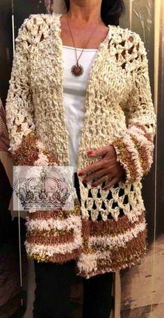 Saco TITI Crochet Coat, Crochet Winter, Crochet Jacket, Crochet Cardigan, Crochet Clothes, Hippie Outfits, Knit Fashion, Crochet Patterns, Knitting