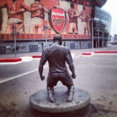 Thierry Henry statue at Emirates Stadium #Arsenal