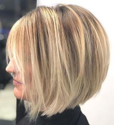 60 Layered Bob Styles: Modern Haircuts with Layers for Any Occasion - frisuren Best Bob Haircuts, Stacked Bob Hairstyles, Bob Hairstyles For Fine Hair, Layered Bob Hairstyles, Modern Haircuts, Cool Hairstyles, Braided Hairstyles, Celebrity Hairstyles, Wedding Hairstyles