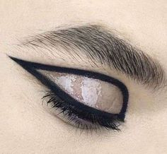Trucco glossy eyes effetto bagnato - Glossy Eyes con eyeliner