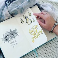 Now you can see 17 inspirational Light Bulb bullet journal ideas collected to help inspire you! Bullet Journal September, Bullet Journal And Diary, Bullet Journal Spread, Bullet Journal Layout, Bullet Journal Inspiration, Journal Ideas, Bujo, Light Bulb Drawing, Flower Art Drawing