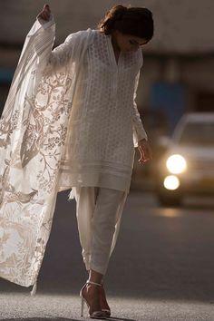 Pretty grey ready to wear organza dress by Nida Azwer organza collection 2018 Pakistani Dresses Casual, Pakistani Bridal Dresses, Pakistani Dress Design, Indian Dresses, Indian Outfits, Stylish Dresses, Casual Dresses, Urban Style Outfits, Kurta Designs Women