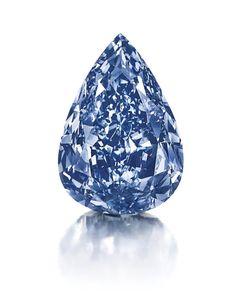 スイス・ジュネーブ(Geneva)で公開された、競売大手クリスティーズ(Christie's)で競売にかけられる世界最大のブルーダイヤモンド(13.22カラット、2014年4月25日提供)。(c)AFP/CHRISTIES ▼28Apr2014AFP|世界最大のブルーダイヤ、来月競売へ スイス http://www.afpbb.com/articles/-/3013710 #blue_diamond