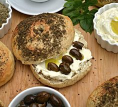 Bagels with Zaatar and Labneh image 1 Lebanese Cuisine, Lebanese Recipes, Lebanese Breakfast, Savoury Baking, Bagels, A Food, Cooking Recipes, Snacks, Lebanon