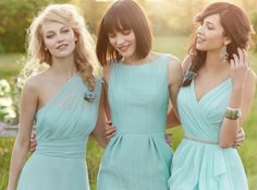 Same shade, same colour, different styles. This gives uniformity yet looks awesome on each bridesmaid