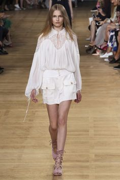 Catwalk photos and all the looks from Chloe Spring/Summer 2015 Ready-To-Wear Paris Fashion Week