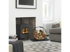 the Morsø is a stunning example of a small stove offering all the attributes of a larger model. The viewing area is maintained and indeed at its most visually appealing in this format. Buy now from Bradley Stoves Sussex Log Burner Living Room, Kitchen Dining Living, New Living Room, Home And Living, Wood Burner Fireplace, Fireplace Ideas, Fireplace Kitchen, Fireplace Inserts, Morso Stoves