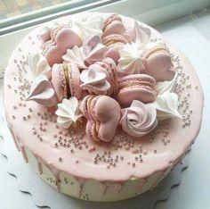 Creative Birthday Cake Ideas for Girls - Torten - Macaron Fondant Cupcakes, Fun Cupcakes, Cupcake Cakes, Pretty Cakes, Beautiful Cakes, Amazing Cakes, Creative Birthday Cakes, Creative Cakes, Cake Topper Banner