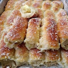 La imagen puede contener: comida e interior Pie Recipes, Appetizer Recipes, Cooking Recipes, I Love Food, Good Food, Yummy Food, Pan Bread, Sweet Pastries, Sweet Bread