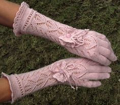 "Ravelry: dom-klary's Vintage Victorian Lace Gloves - ""I'm staying in Vegas"" Vintage Knitting, Lace Knitting, Knitting Patterns, Crochet Patterns, Crochet Gloves Pattern, Crochet Slippers, Knit Crochet, Fingerless Gloves Knitted, Knit Mittens"