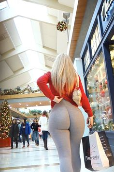 Shopping Mall Booty