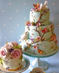 Lovely fall wedding cake.