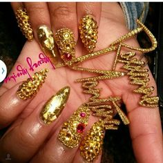 #ShareIG These nails so Fye ♡♡♡ @queenroxxannemontana yall go follow #mindyhardy