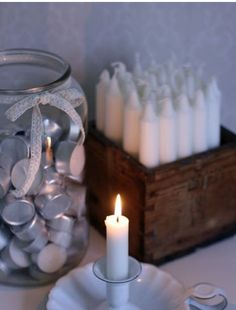 Box to display candles and jar to store tea lights. Pretty and practical. Candle In The Wind, Candle Box, Candle Lanterns, Old Wood, Wood Boxes, Hygge, Candlesticks, Tea Lights, Sweet Home