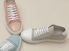 Da copenaghen arrivano le sneakers minimali Garment Project. The Folly a salerno ha selezionato i modelli più belli per la Primavera Estate 2016.