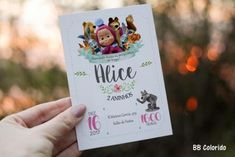 convite simples Decoration, Alice, Party Invitations, Disney, Logos, Marsha And The Bear, Masha And The Bear, Invitations, Events