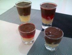 Bombom de colher (com brigadeiro branco, frutas e ganache): sugestão super prática de sobremesa. Não vai sobrar um!