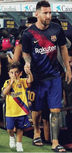 Leonel Messi, Messi And Ronaldo, Messi 10, Lionel Messi Family, Soccer Images, Fc Barcelona Wallpapers, Uefa Champions, Sport 2, Male Feet