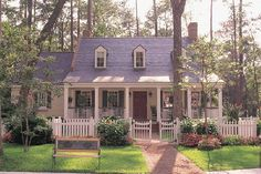 Southern Style House Plan - 3 Beds 3 Baths 2686 Sq/Ft Plan #137-140 Exterior - Front Elevation - Houseplans.com