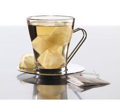 Lekue - Foremka do lodu ICE CUBE Foremka do lodu Ice Cube marki Lekue pozwala na uzyskanie kostek w kształcie sześcianów. W każdej kostce przed zamrożeniem można umieścić wiele różnych dodatków: drobne owoce, listki mięty, skórki cytrusów czy ziarenka kawy. Dodatki można zalewać nie tylko wodą, ale również sokiem lub kawą.