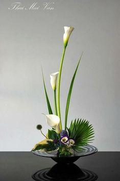 Find this Pin and more on Ikebana Flower Art – Dekoration -. Contemporary Flower Arrangements, Tropical Flower Arrangements, Creative Flower Arrangements, Flower Arrangement Designs, Church Flower Arrangements, Church Flowers, Beautiful Flower Arrangements, Pretty Flowers, Flowers Garden