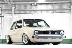 VW Golf Mk1 slammed!