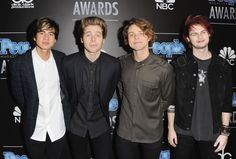 5SOS hit the People Magazine Awards 2014 in Beverly Hills looking all sorts of beautiful