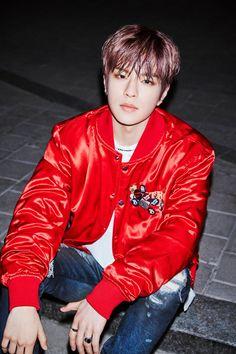 J Pop, Stray Kids Seungmin, Concept Album, Lee Know, K Idols, Pop Group, Korean Singer, Boy Bands, Leather Jacket