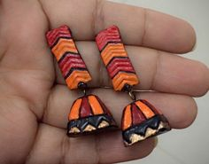 Black red orange comb Terracotta stud