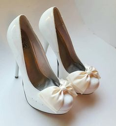 Check out this item in my Etsy shop https://www.etsy.com/listing/545748681/shoe-clipsbridal-white-shoe-clipswedding