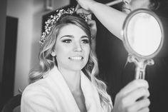 Hochzeit am Strand: Raquel & Denner – Guirlanda de Flores Crown, Weddings, Makeup For Brides, Wedding On The Beach, Up Dos, Pictures, Corona, Wedding, Crowns