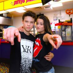 Are YOU coming to DC, Columbus or Anaheim? Anyone up for Orlando May and May Comment a below if you want us to go to Orlando? Julianna Grace Leblanc, Hayley Leblanc, Annie Grace, Annie Lablanc, Mackenzie Ziegler, Annie Leblanc Outfits, Johnny Orlando, Annie And Hayden, Rock Your Hair