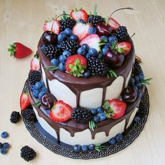 New Fruit Cake Topping Sweets Ideas Cake Cookies, Cupcake Cakes, Summer Cakes, Drip Cakes, Cake Toppings, Fancy Cakes, Sweet Cakes, Pretty Cakes, Creative Cakes