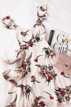 Take a Bow-quet Blush Floral Print Midi Dress - Sommer Mode Ideen Pretty Dresses, Beautiful Dresses, Mode Outfits, Fashion Outfits, Fashion Clothes, Casual Dresses, Casual Outfits, Floral Dress Outfits, Formal Outfits